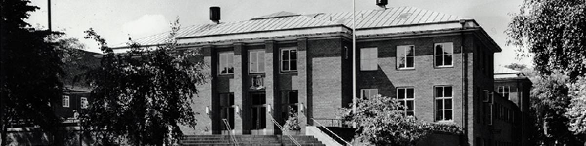 Sort/hvid-billede af Frederiksberg Hovedbibliotek